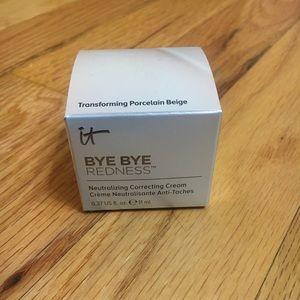 It Cosmetics Bye Bye Redness Neutralizing CC Cream